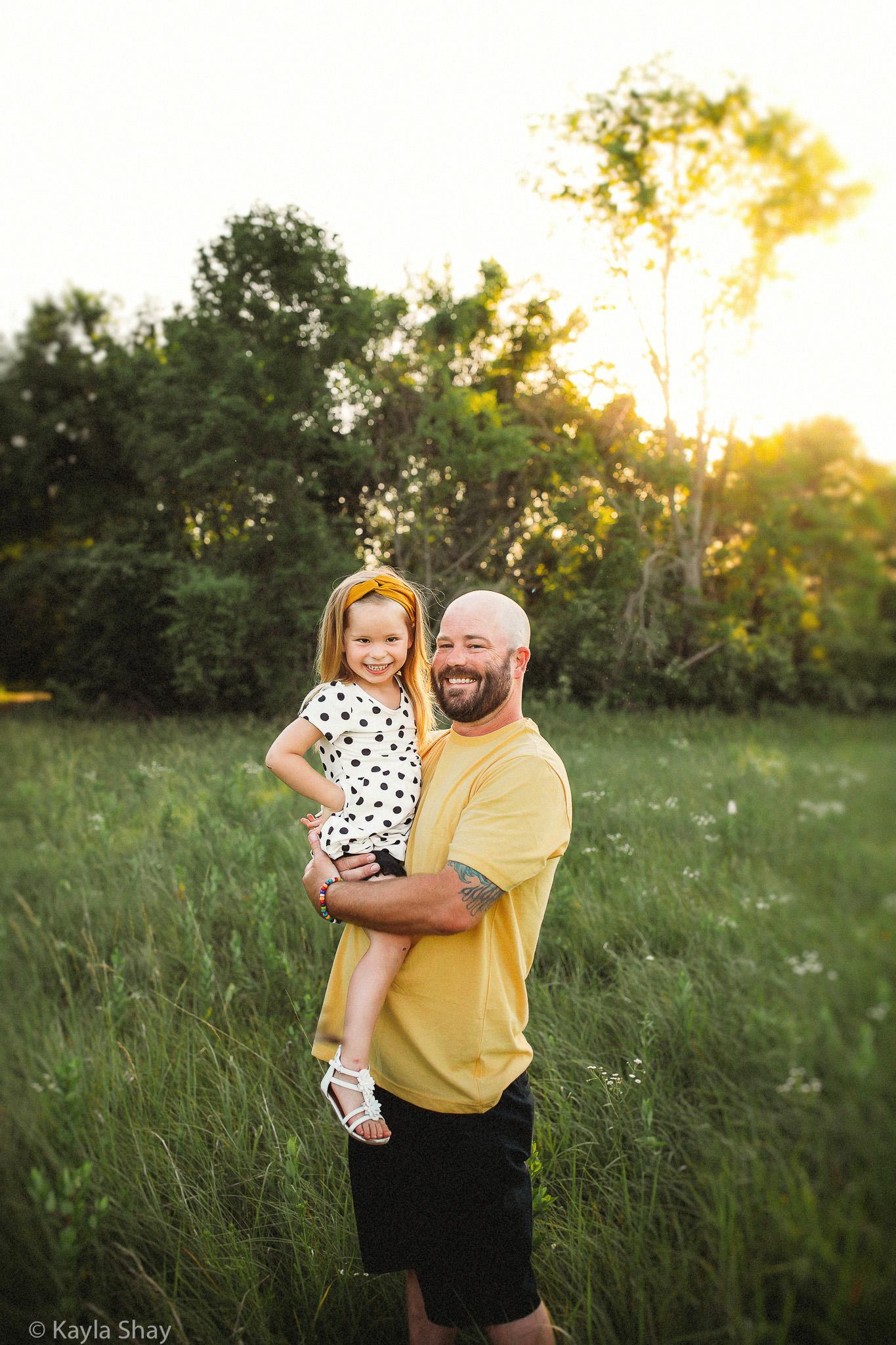 Family Portrait photographer, Lawrence Kansas, Olathe ks photographer, Overland park, lawrence ks photographer, newborn photographer, olathe, portraits, studio photographer
