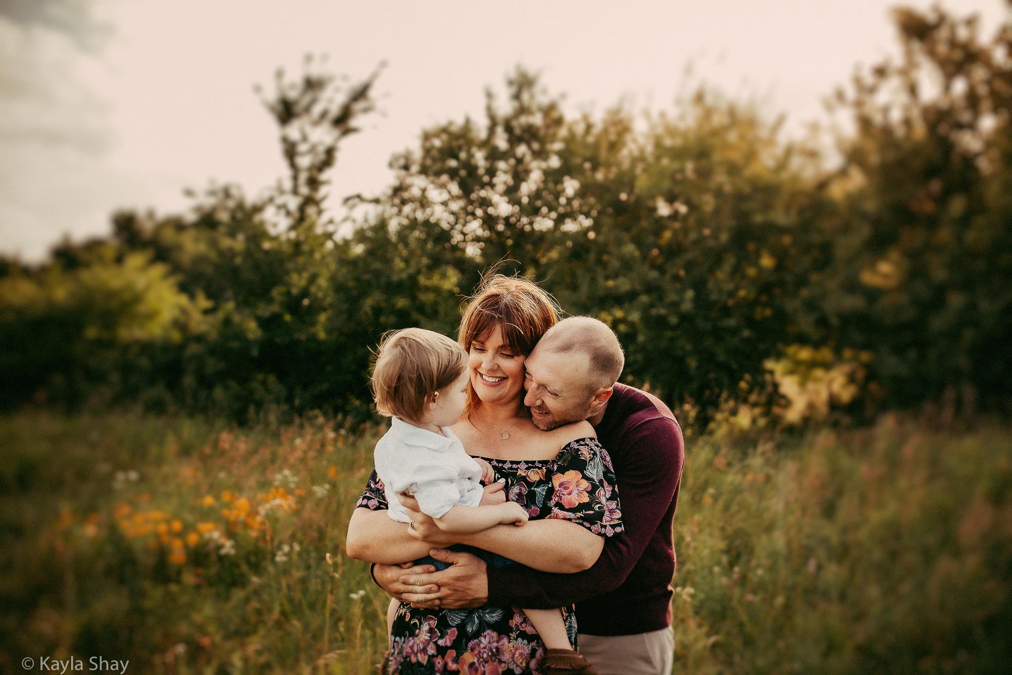 Family Portrait photographer, Lawrence Kansas, Overland park, kansas, ks, lifestyle family session, newborn photographer, olathe, olathe kansas, overbrook kansas, portraits, studio photographer